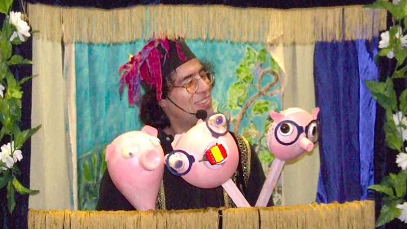 Caravan Puppets-Pigs sm